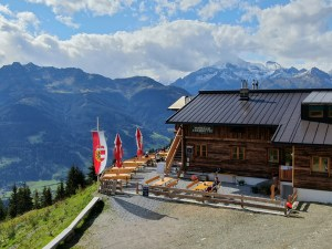 Moosalm Adamhütte mit Panorama