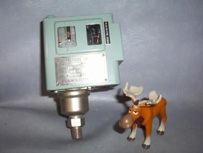GJ-577 Saginomiya Seisakusho Pressure Switch