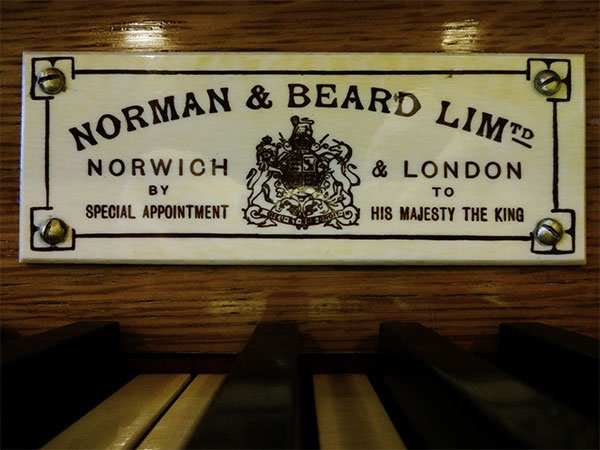 The ivory nameplate of  the Moot Hall organ