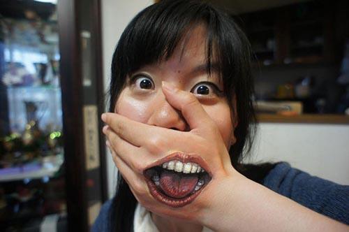 trabajo body art boca pintada mano artista japonesa chooo san