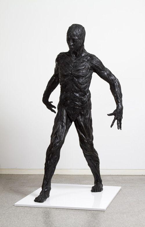 man escultura artista yong ho ji