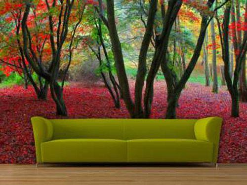 decoracion pared flores rojas sofa verde