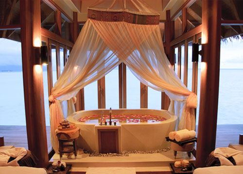 baño hotel lujo naladhu resort maldives