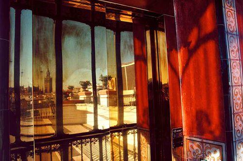 andalucia sevilla balcony of a hotel fotografo gueorgui pinkhassov