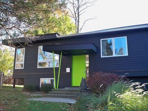 casa negra puerta verde purcellart.files.wordpress.com