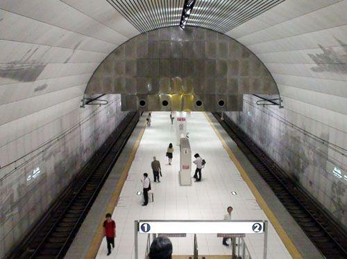 estacion motomachi chukagai japon arquitecto toyo ito