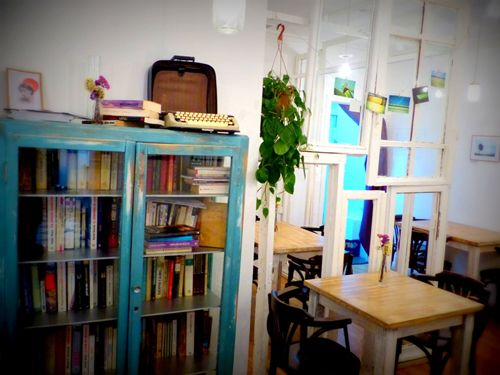 interior the toast cafe madrid madridisfashion.com