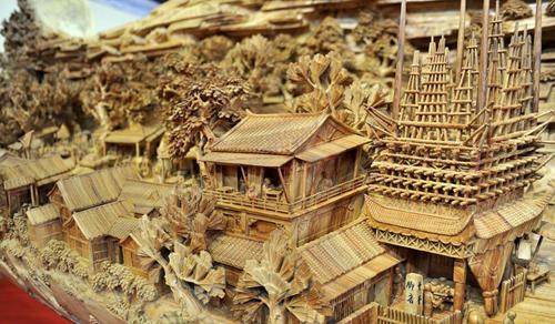Guinness premia una espectacular escultura de madera