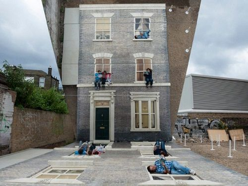 Illusionary Dalton House 02