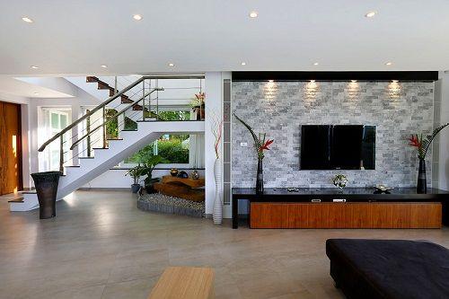 Sala de estar amplia de Villa Beyond