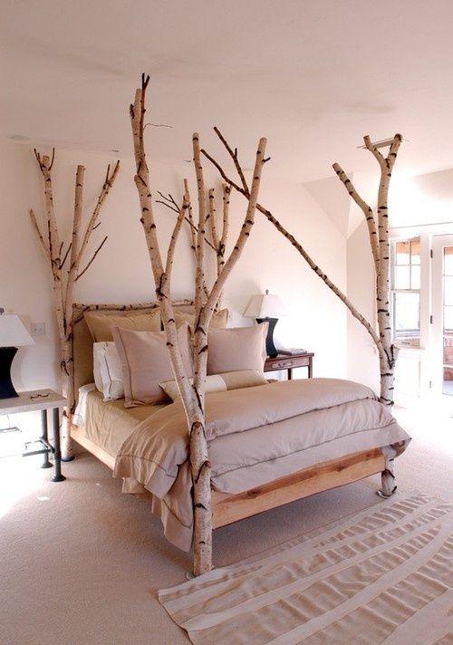 cama decorada con troncos