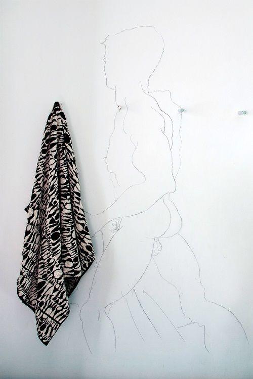 brut interior - dibujo desnudo y toalla. revistaad.es
