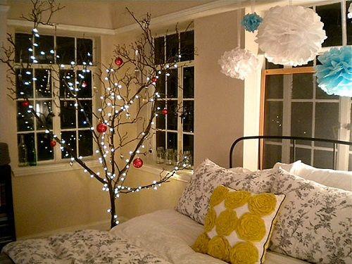Christmas-Lights-in-Bedroom-04-1-Kindesign