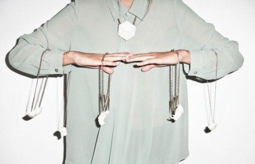 Las joyas minimalistas de Alba Casares
