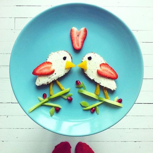 pajaros dibujados con comida