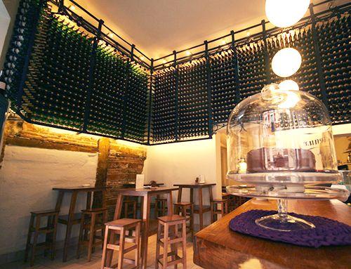 bar lambuzo decoracion botellas cocina gaditana madrid