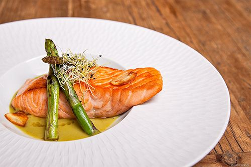 salmon plato comida restaurante marieta madrid