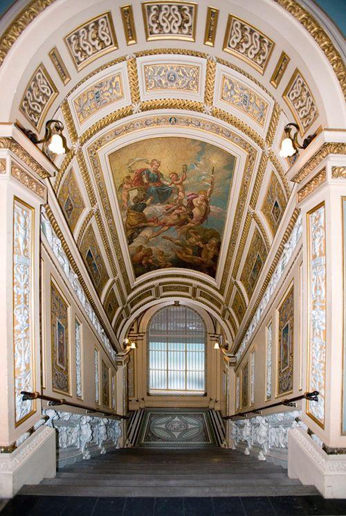 interior escalera museo victoria and albert londres arte escultura