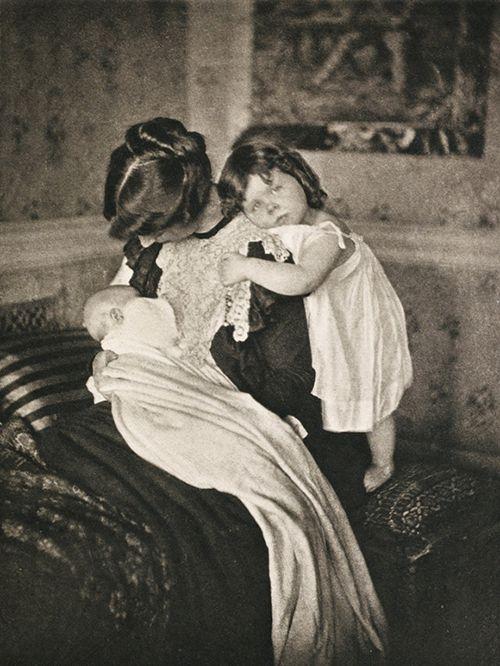 motherhood gertrude kasebie fotogafai retrato maternidad