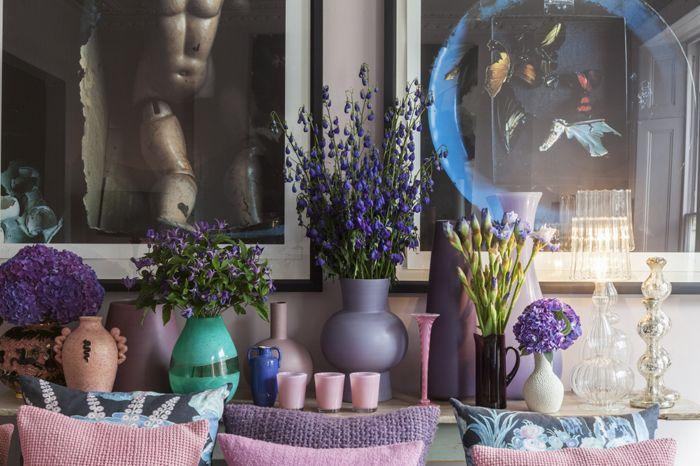 detalle cuadros tonos lilas