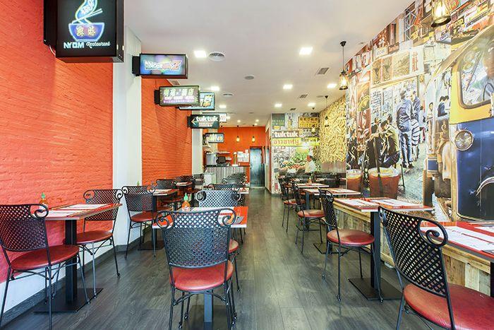 Tuk Tuk interiores restaurante (5)