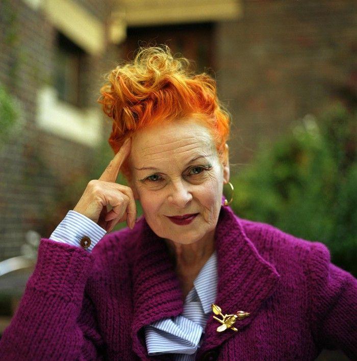 vivienne westwood diseñadora de moda inglesa punk retrato cara pelo naranja chaqueta violeta sex pistols ropa