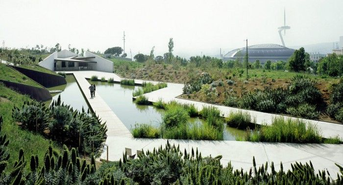 http://museu.ms/event/details/114520/full-moon-night-and-music-at-the-botanical-garden