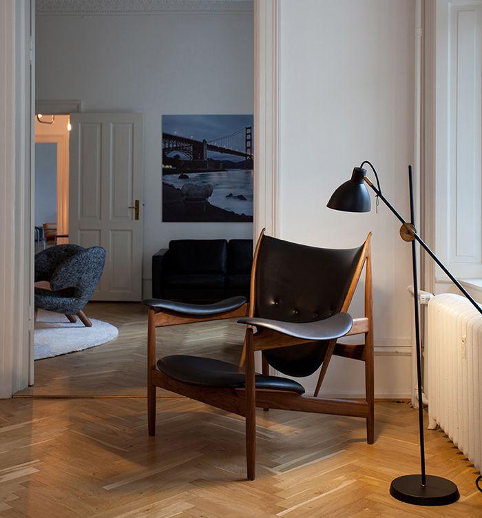 silla sobre fondo