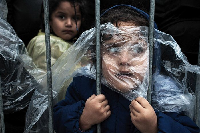 niños refugiados a la espera