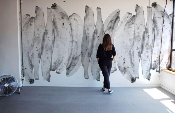 mural bananas blanco y negro