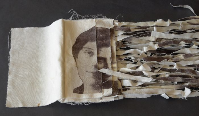 retrato mujer antiguo hecho tiras de tele