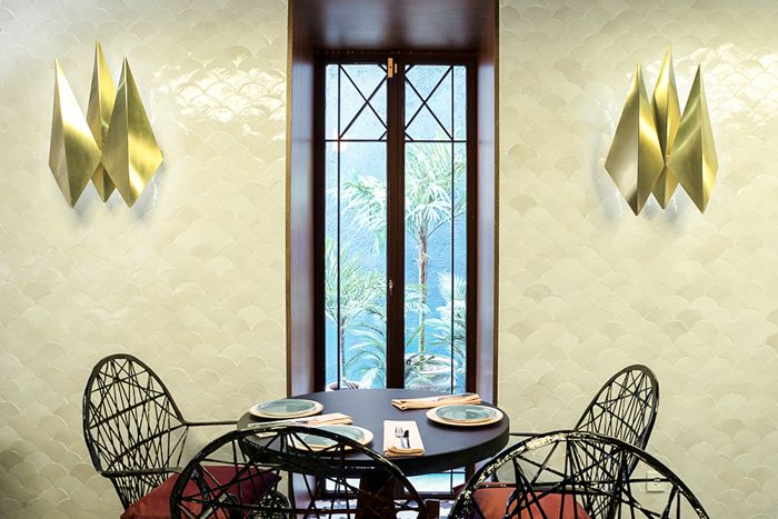 detalle mesa restaurante indio madrid in love