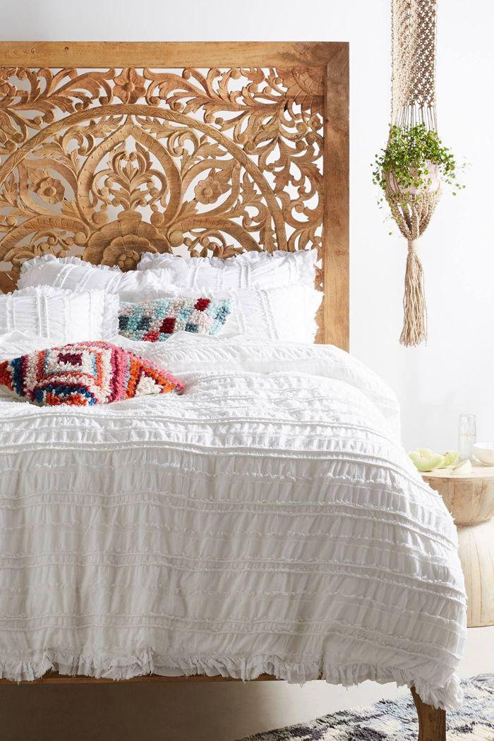 maceta macrame en habitacion cama