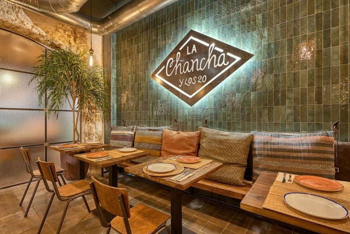 puerta restaurante argentino la chancha cadiz
