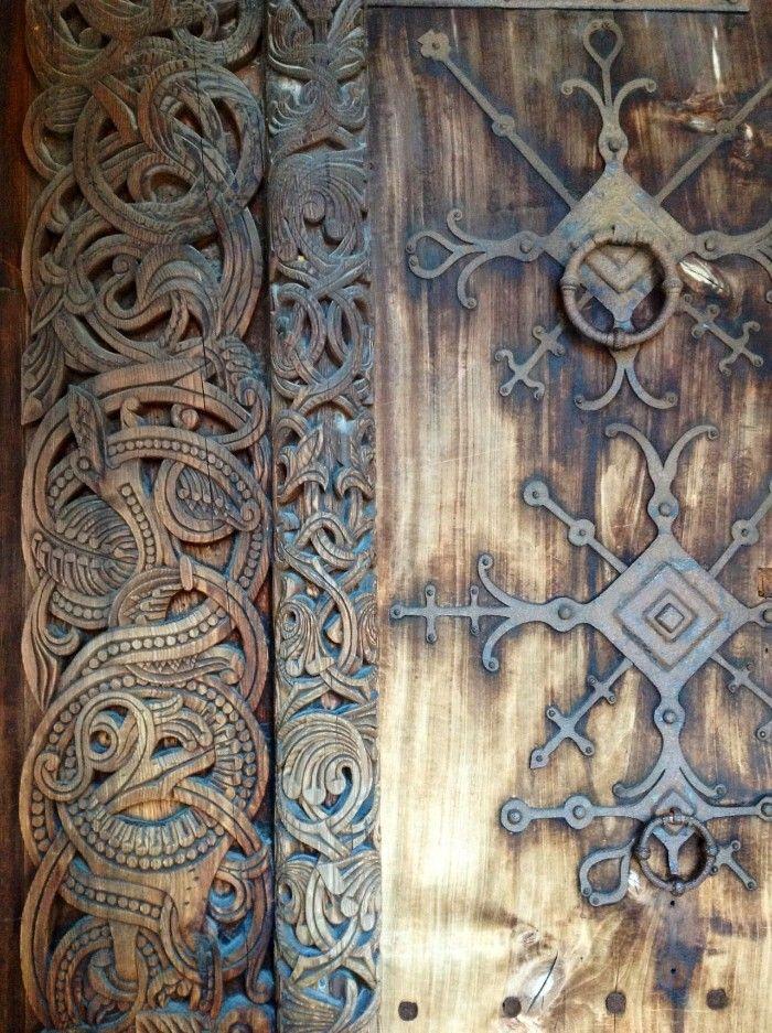 porton decoracion arte vikingo