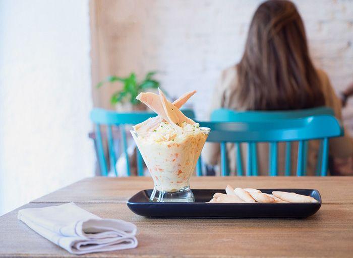 ensaladilla en vaso restaurante grupo le coco