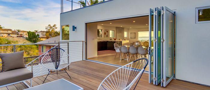¿Puertas batientes o correderas para nuestro hogar o negocio?