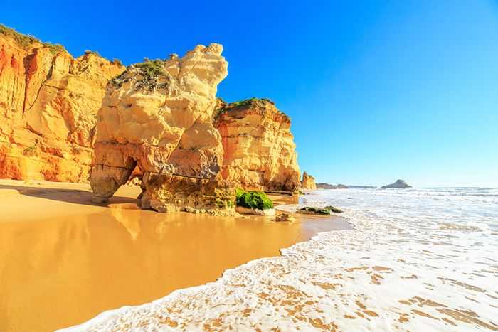 mejor playa de portugal rocha