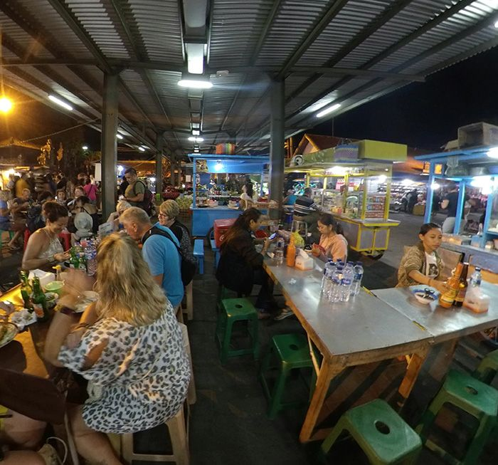 Mercado nocturno Sindhu