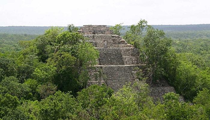 La gran pirámide de Calakmul