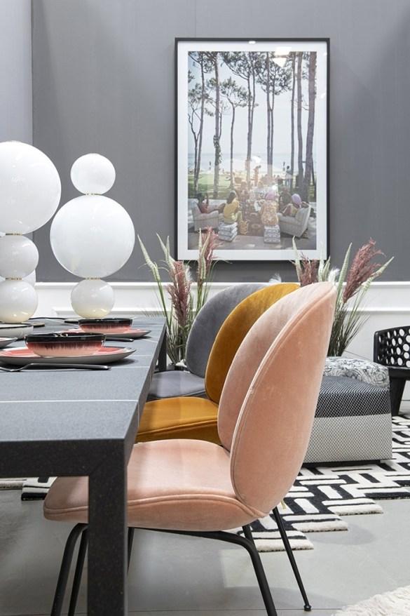 sillas acolchadas gama naranjas y rosas mid century moderno