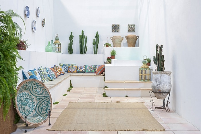 patio andaluz estilo mediterraneo moderno