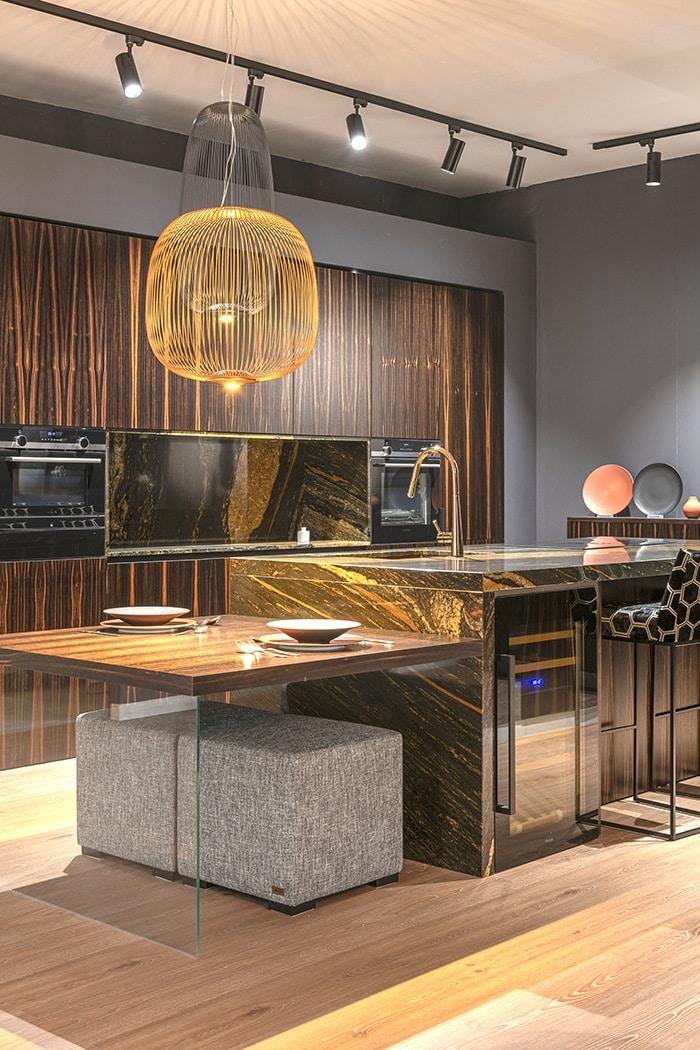 cocina moderna de diseño tonos marrones