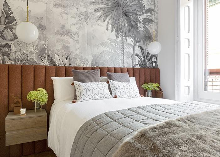 dormitorio relajante gris y terracota https://moovemag.com/2020/06/biofilia-la-necesidad-de-estar-rodeado-de-naturaleza/