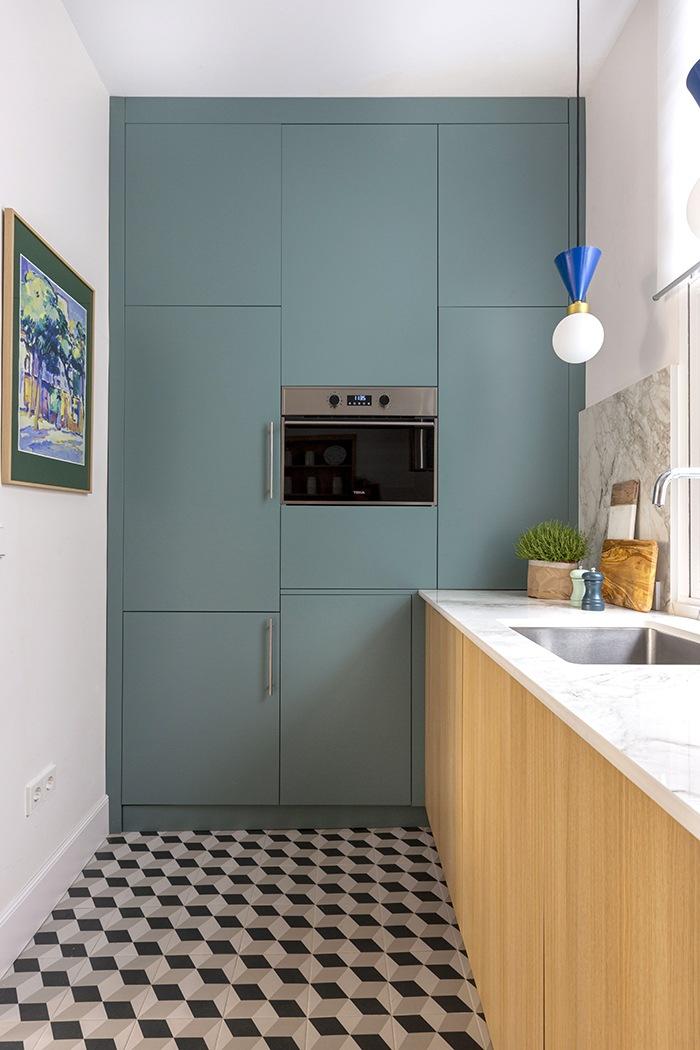 mueble a medida turquesa oscuro cocina