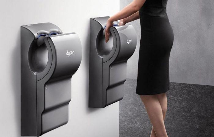 Secador de manos Dyson Airblade dB de diseño