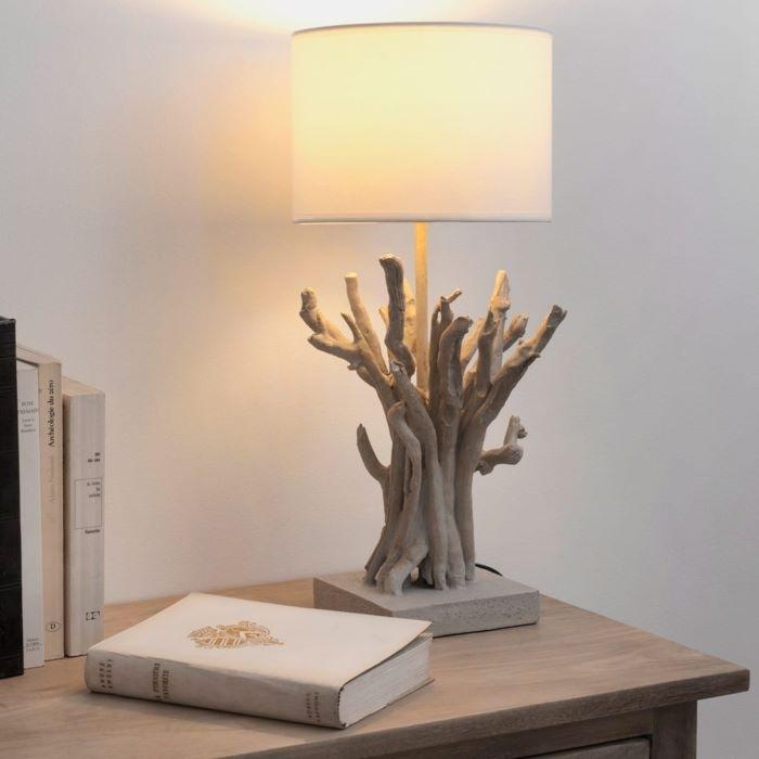 Regalo de amigo invisible una lámpara imitando la madera de un árbol, de Maisons du Monde