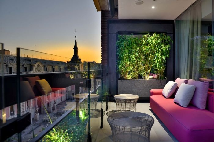 Terraza con vistas como ganadora de Premios Best of Houzz 2021