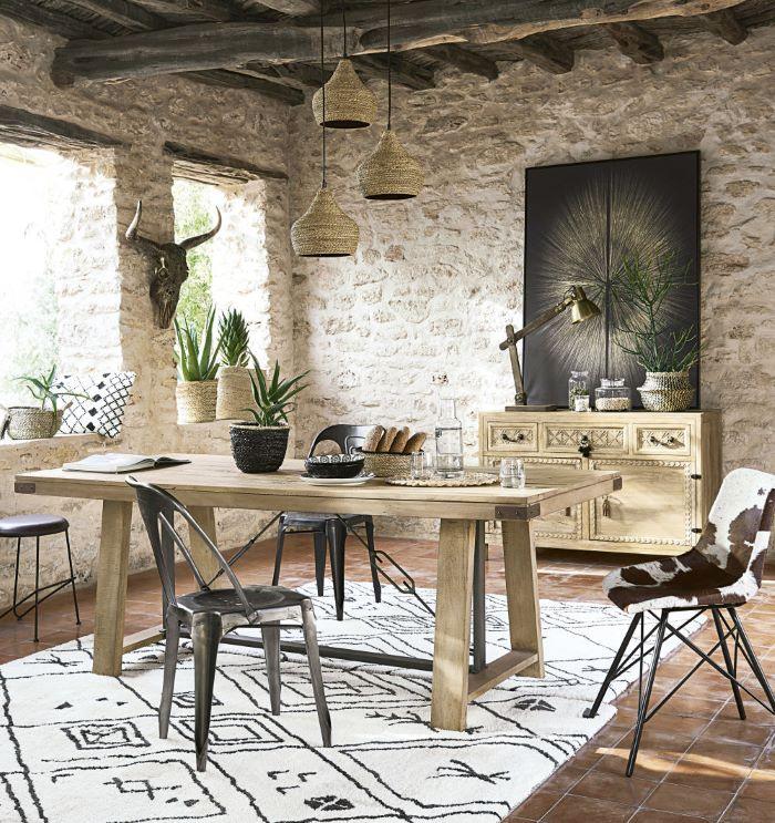 alfombra-tufting-color-crudo-con-motivos-gráficos-negros de Maisons du Monde