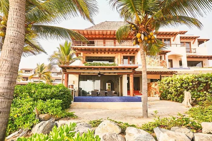 Conjunto exterior de la Villa Blanca, alojamiento de Airbnb en México
